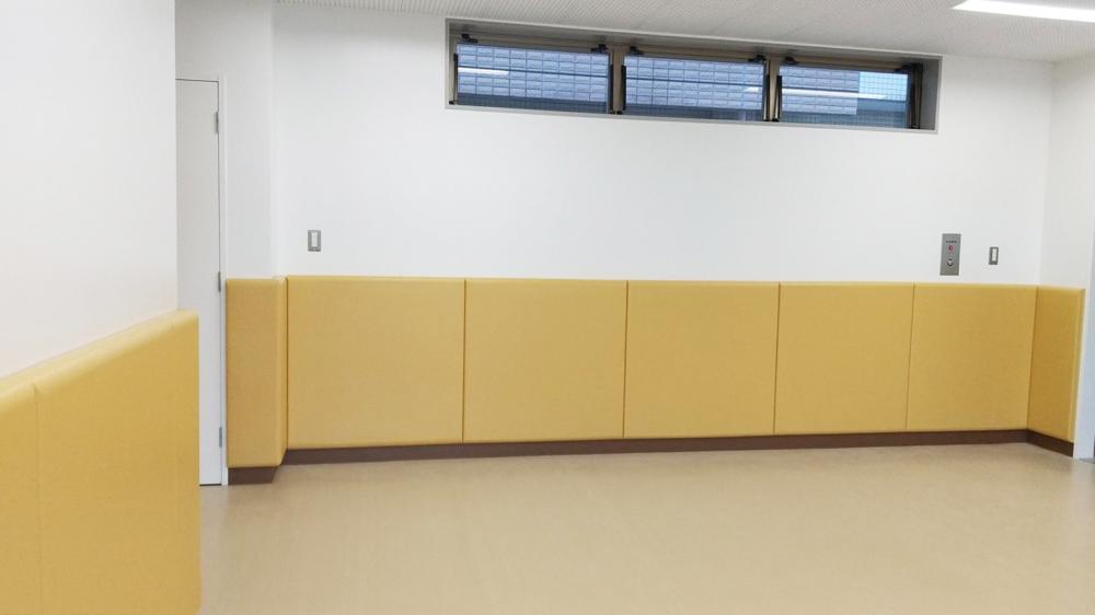 レザーシート仕上げ屋内防護マット ラテリア 東京都江東区学童クラブ