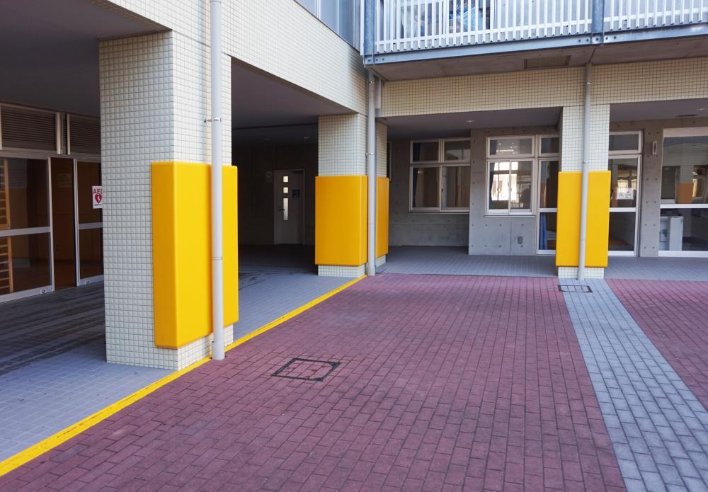 屋外防護マット ラテリアPU 埼玉県吉川市小学校