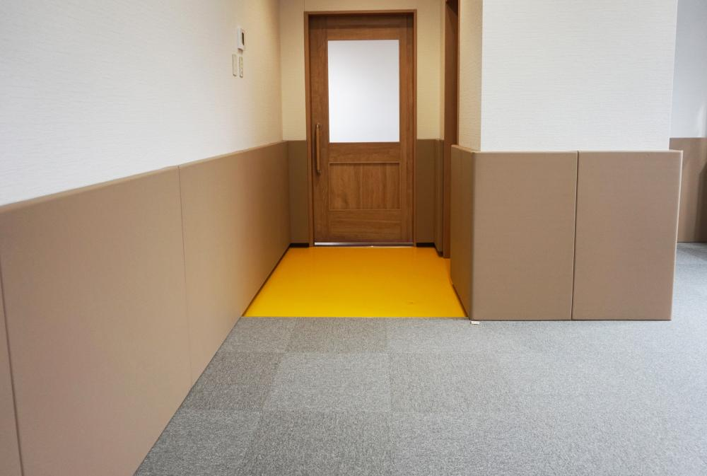 レザーシート仕上げ屋内防護マット ラテリア 神奈川県大和市企業内保育所