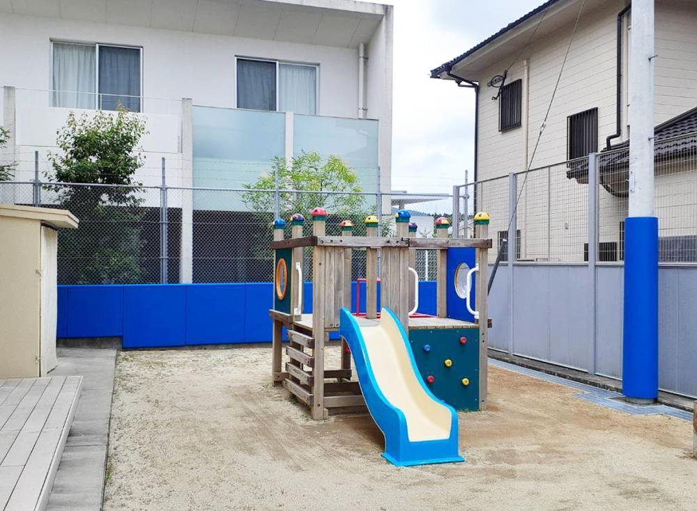 屋外防護マット ラテリアPU 鹿児島県薩摩川市保育園園庭