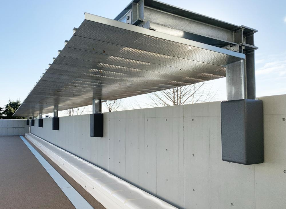 屋外防護マット ラテリアPU 東京都久留米市特別支援学校 プールサイド